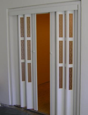 Harmónika ajtó boltívre